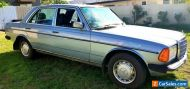 MERCEDES BENZ 230 E 1984.   ( Low Reserve )