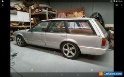 VK Commodore V8 Wagon