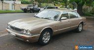2000 Jaguar XJ8 Long Wheelbase (Gold)