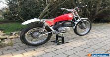 Bultaco Sherpa 250 - signed on tank by Sammy Miller